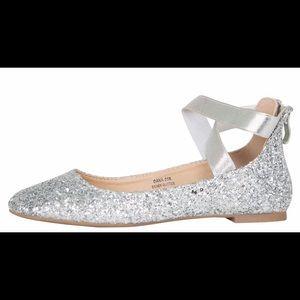 ⭐️LikeNEW Silver Glitter Ballet Flats Sz10⭐️
